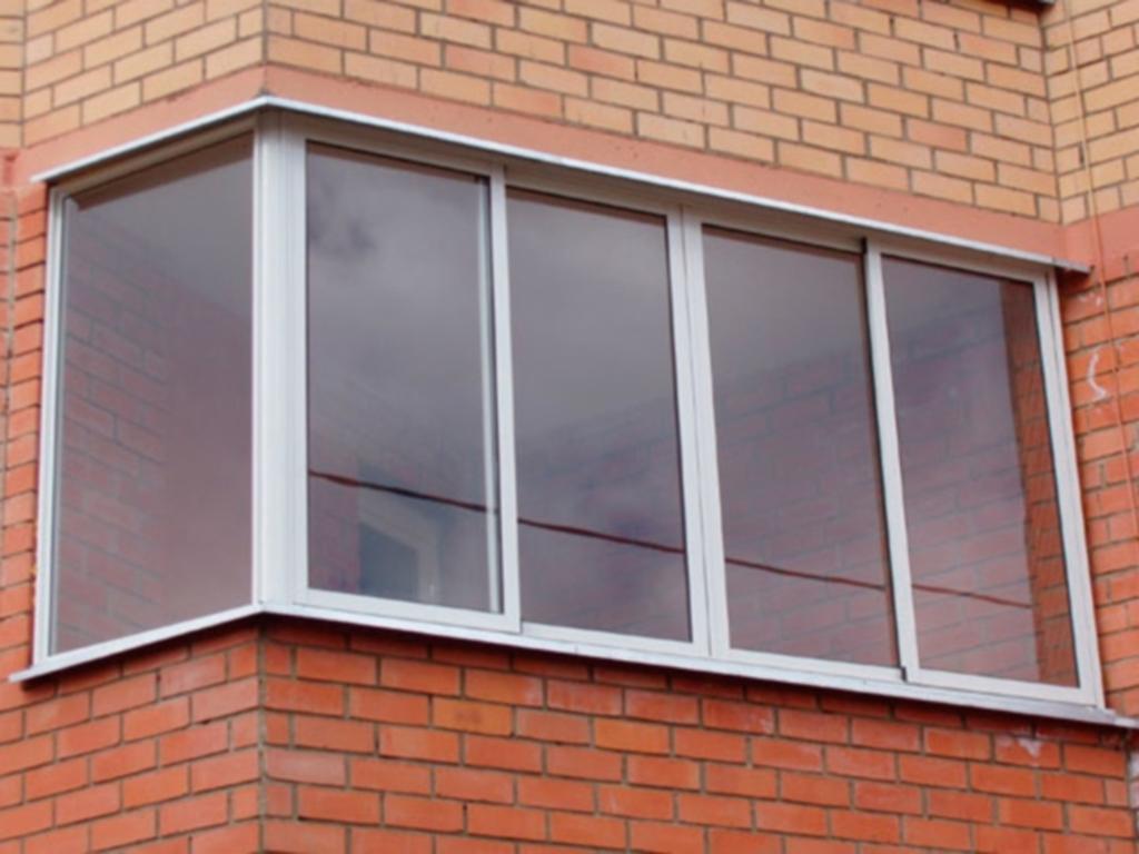 Остекление балконов стандартное 3000 х 900.